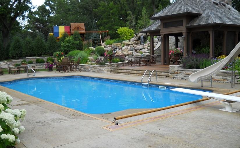 6 Valuable Pool Cleaning Tips Sundays Off Pools